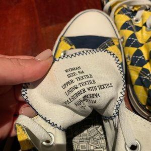 Michigan Skicks Converse size 9